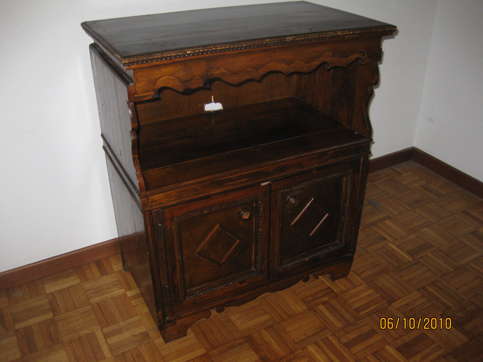 mobiletto legno porta tv | UTILEUSATO